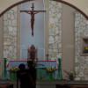 Un prêtre poignardé lors d'une messe en Indonésie.