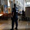 Deux homme barbus suspects entrent pendant la messe: la cathédrale de Saint-Etienne évacuée.