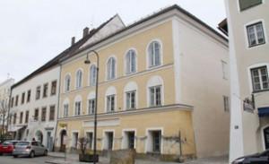 310x190_grande-maison-facade-jaune-autriche-o-hitler-20-avril-1889