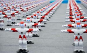 310x190_plus-millier-robots-intelligents-danse-maniere-synchronisee-lors-festival-international-biere-qingdao-chine-30-juillet-sipa