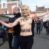 Election présidentielle: Les Femen au rendez-vous du vote de Marine Le Pen.