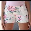 La directrice d'une école interdit le short pour les fillettes.